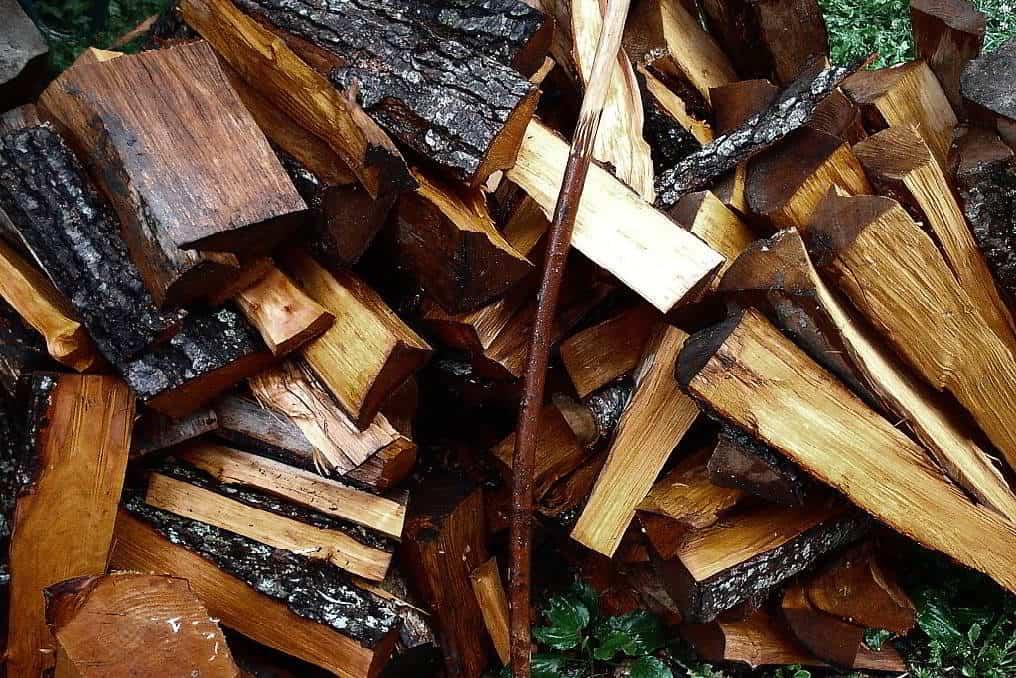 factors that affect the wood's burnability