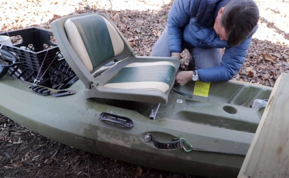 how do you mount a boat seat in a kayak