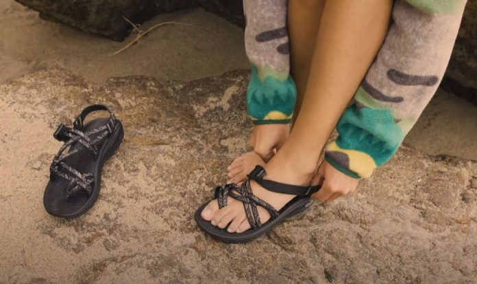 how to keep chacos from tightening on big toe
