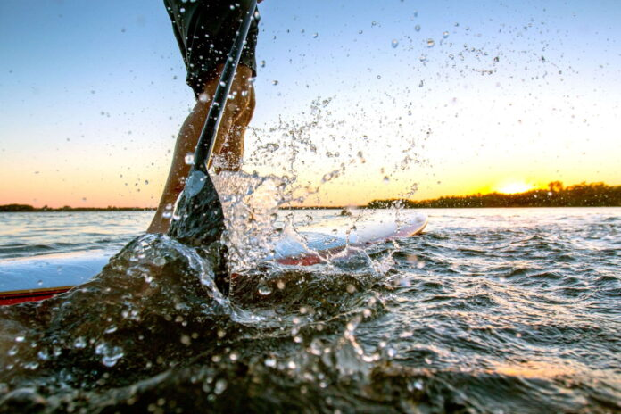 safe wind speed for paddle boarding