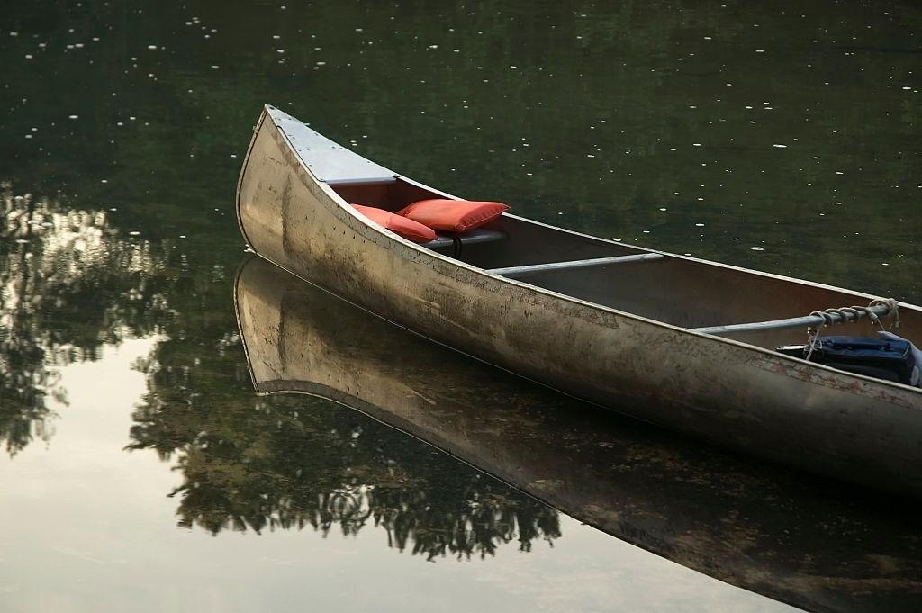 how to clean an aluminum canoe