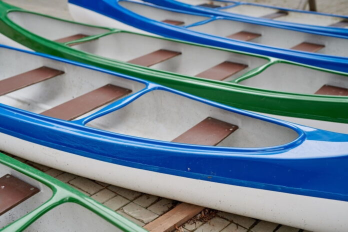 how to paint a kayak with spray paint