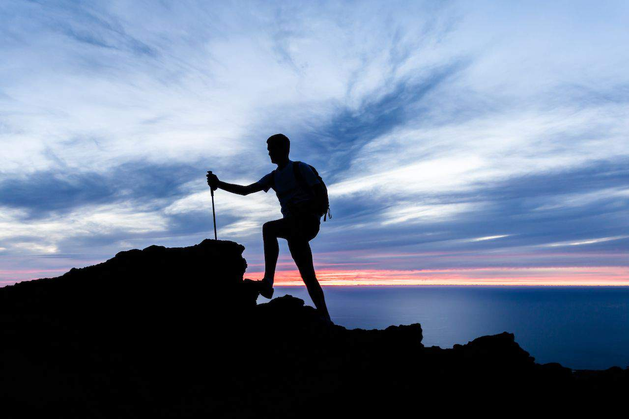 how to dress for overnight hiking