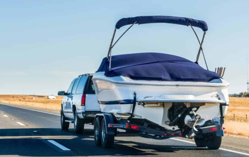 few reasons why you should let the experts handle your boat while moving