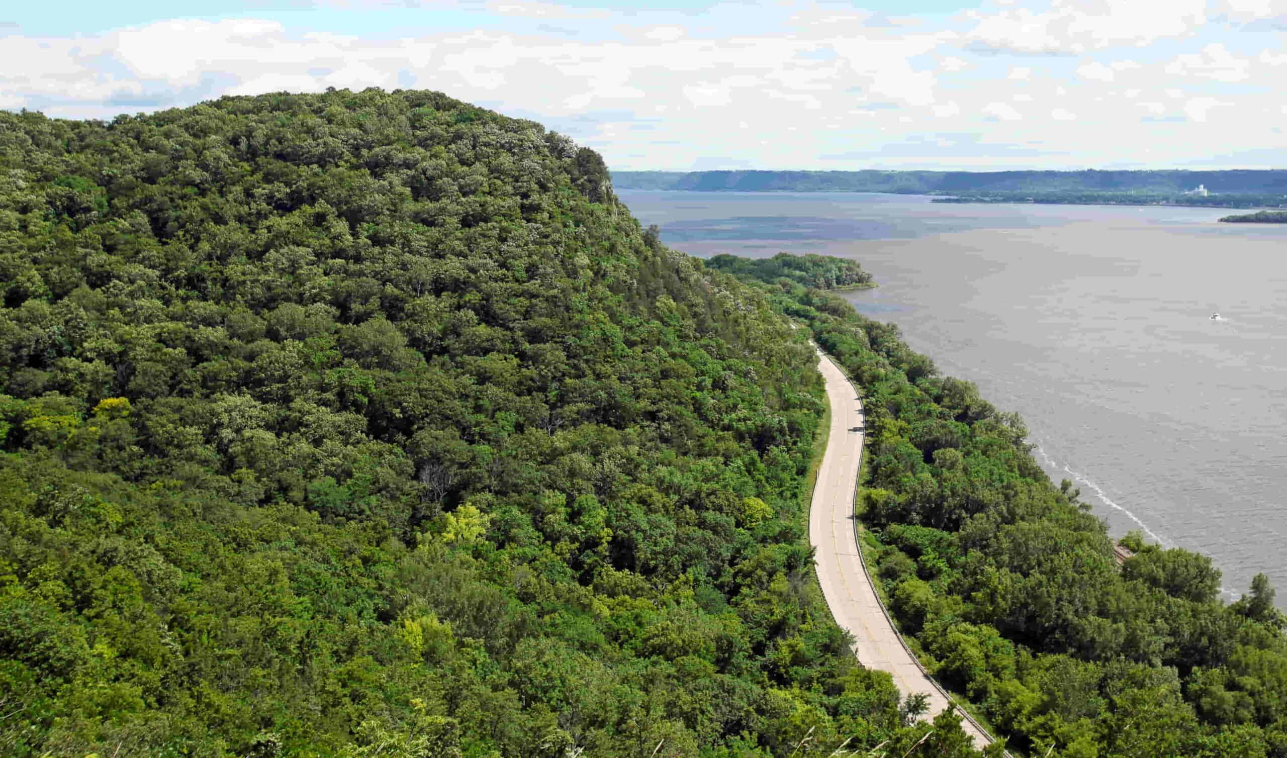 wisconsin great river road - best smallmouth lakes in wisconsin
