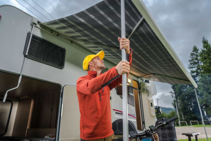 how much wind can an rv awning withstand